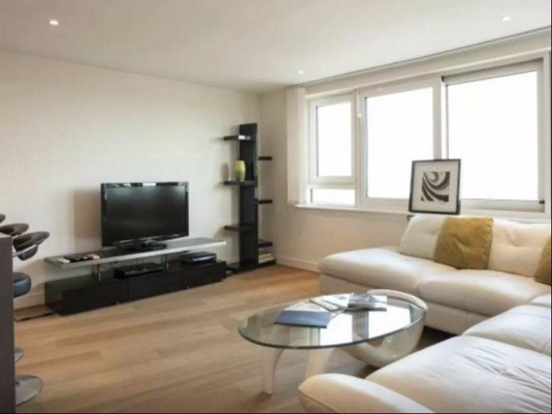 Luxury modern 2BR flat in centre