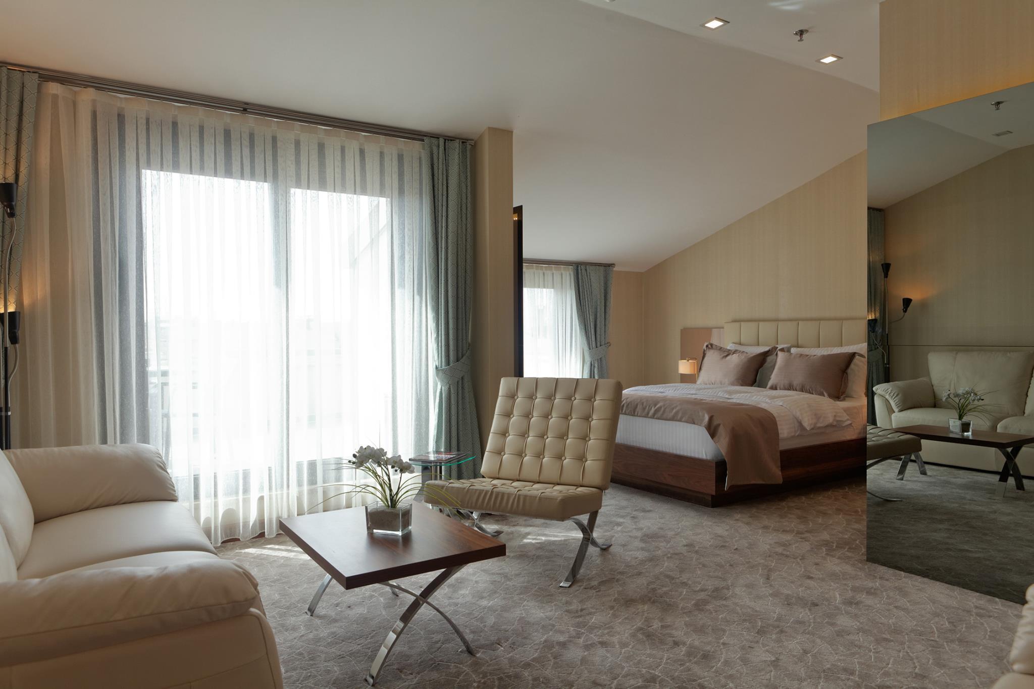 Inera Hotel