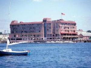 WyndhamVR Inn on Long Wharf
