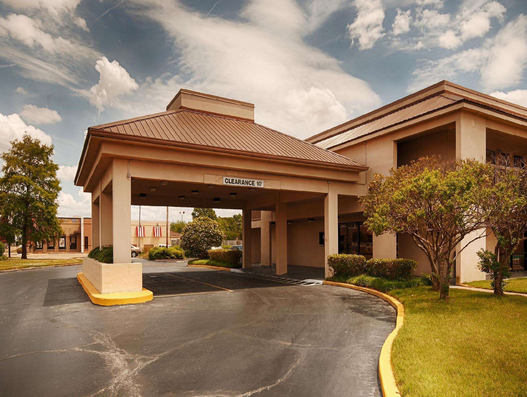 Blues Traveler Inn Hotel