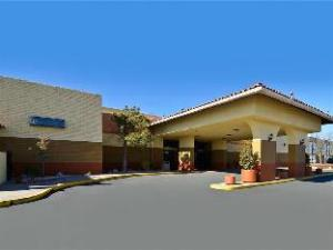 (Best Western Sally Port Inn and Suites)