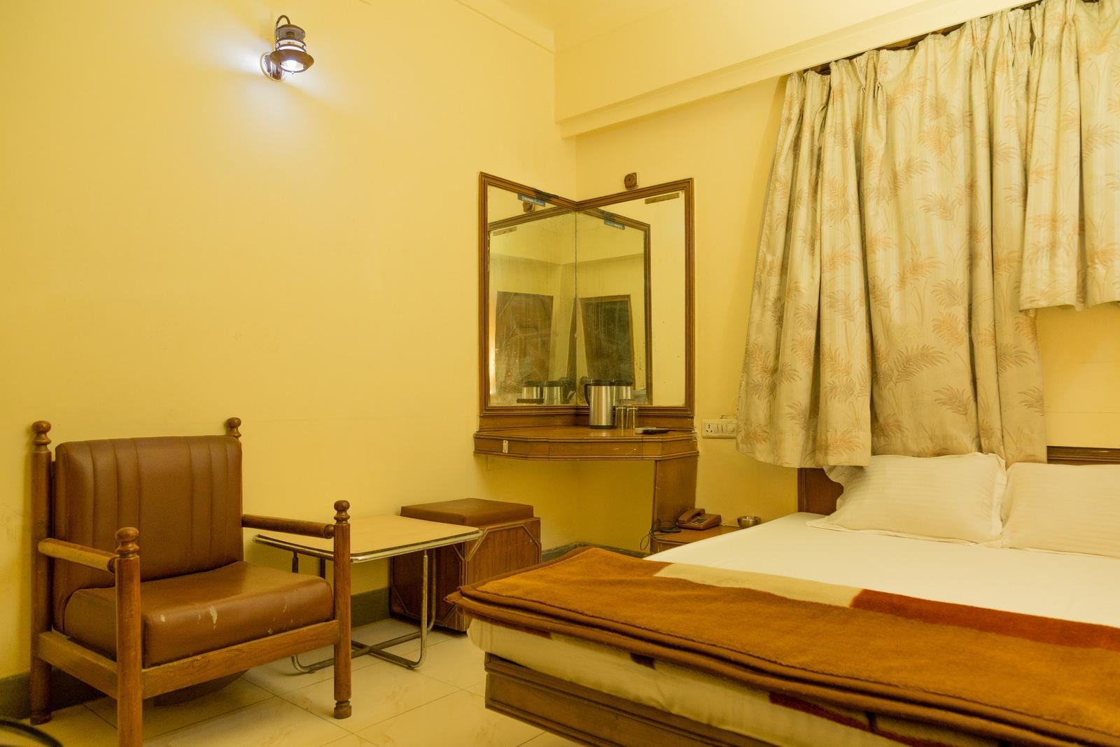 Price Hotel Chetak