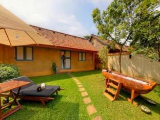 Jetwing Ayurveda Pavilions Negombo - King Pavilion Flower Bath Treatments