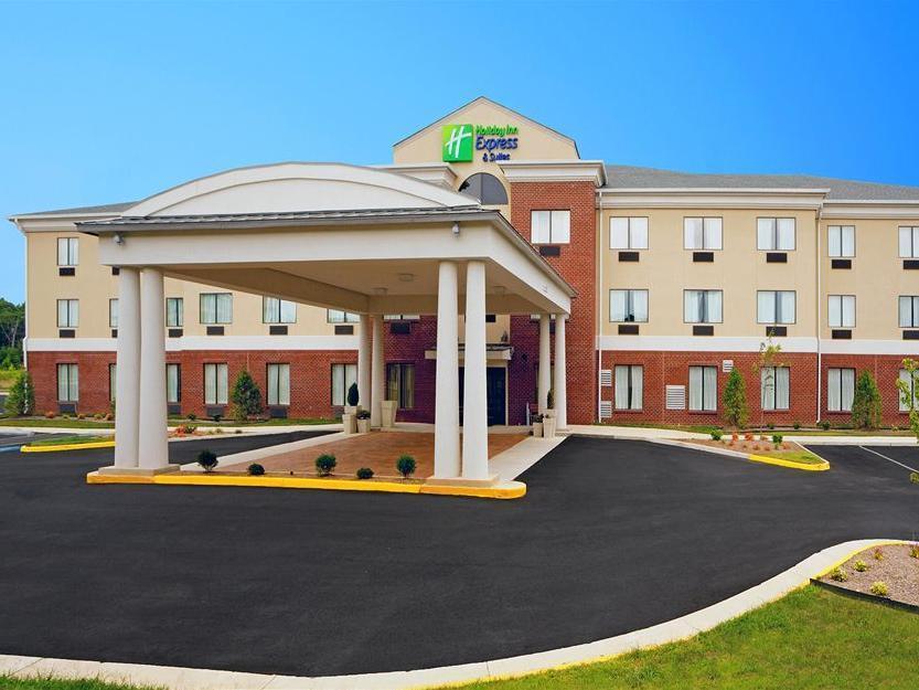 Holiday Inn Express Hotel And Suites Thornburg S. Fredericksburg