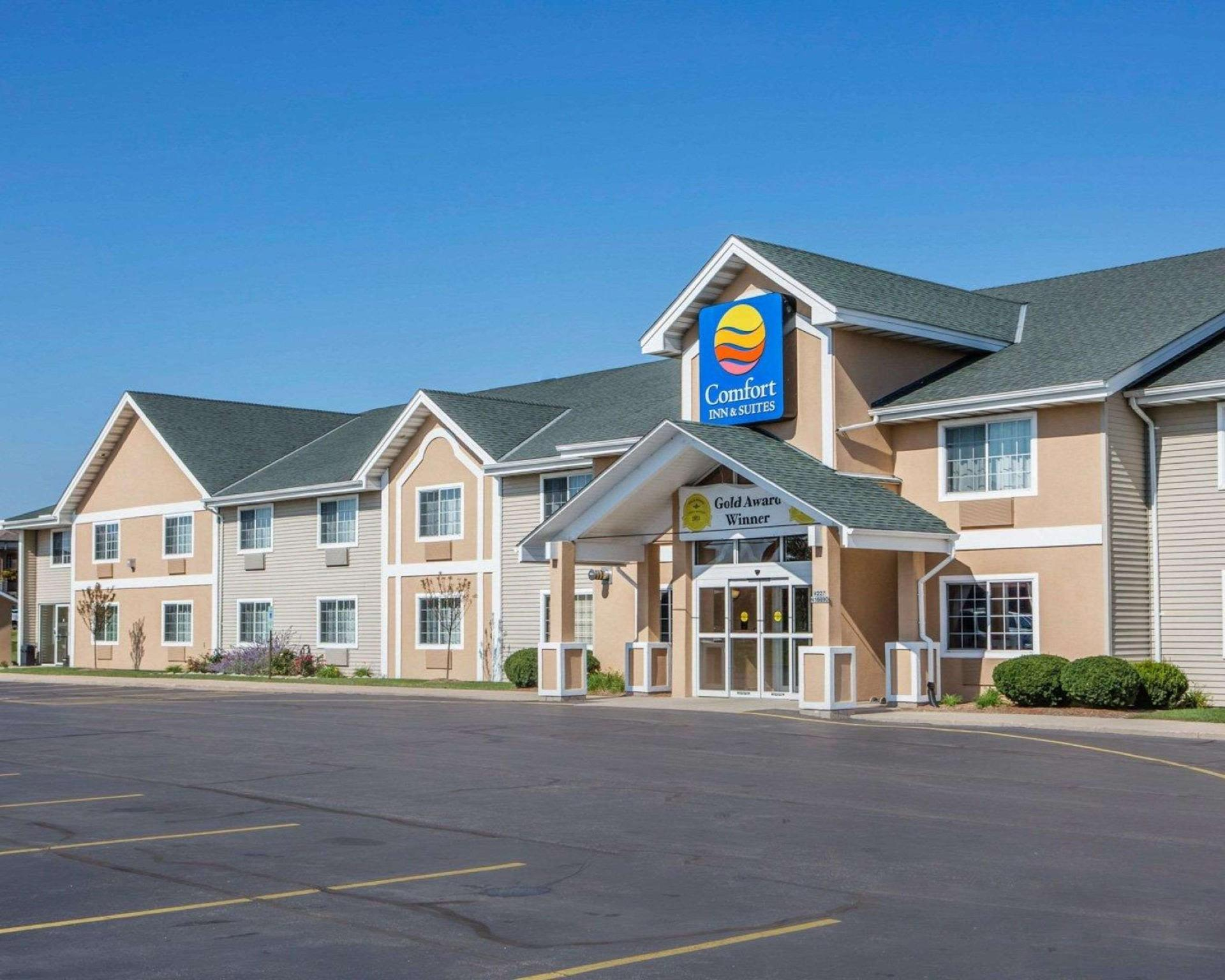 Comfort Inn And Suites Jackson   West Bend