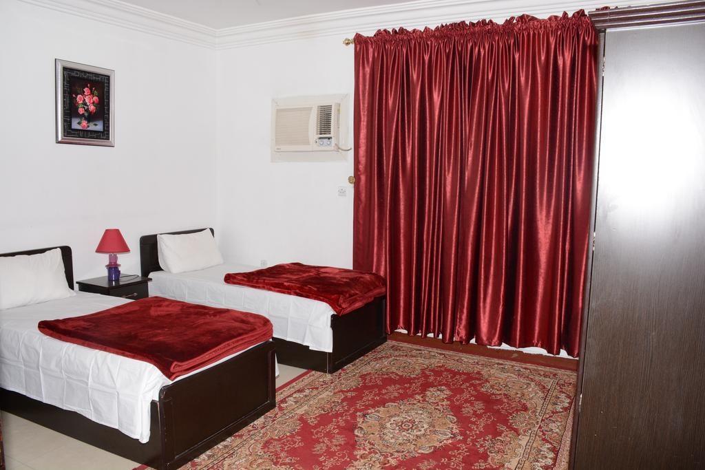 Al Eairy Apartments Madinah 8