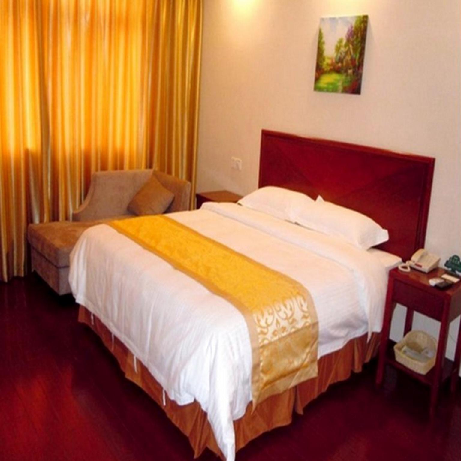 GreenTree Inn CangZhou Qing County JingFu  S  Street Express Hotel