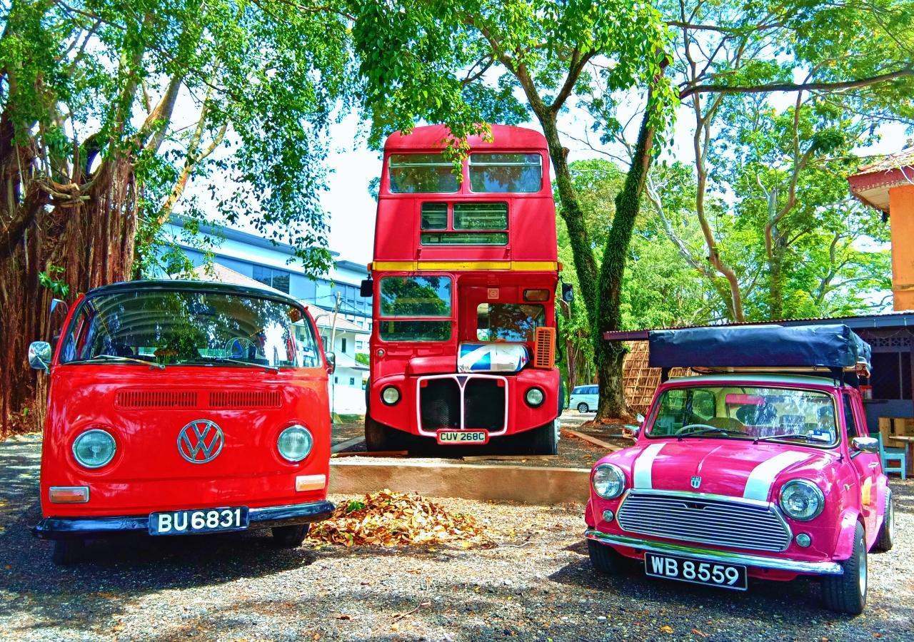 PD London Bus Retro Village