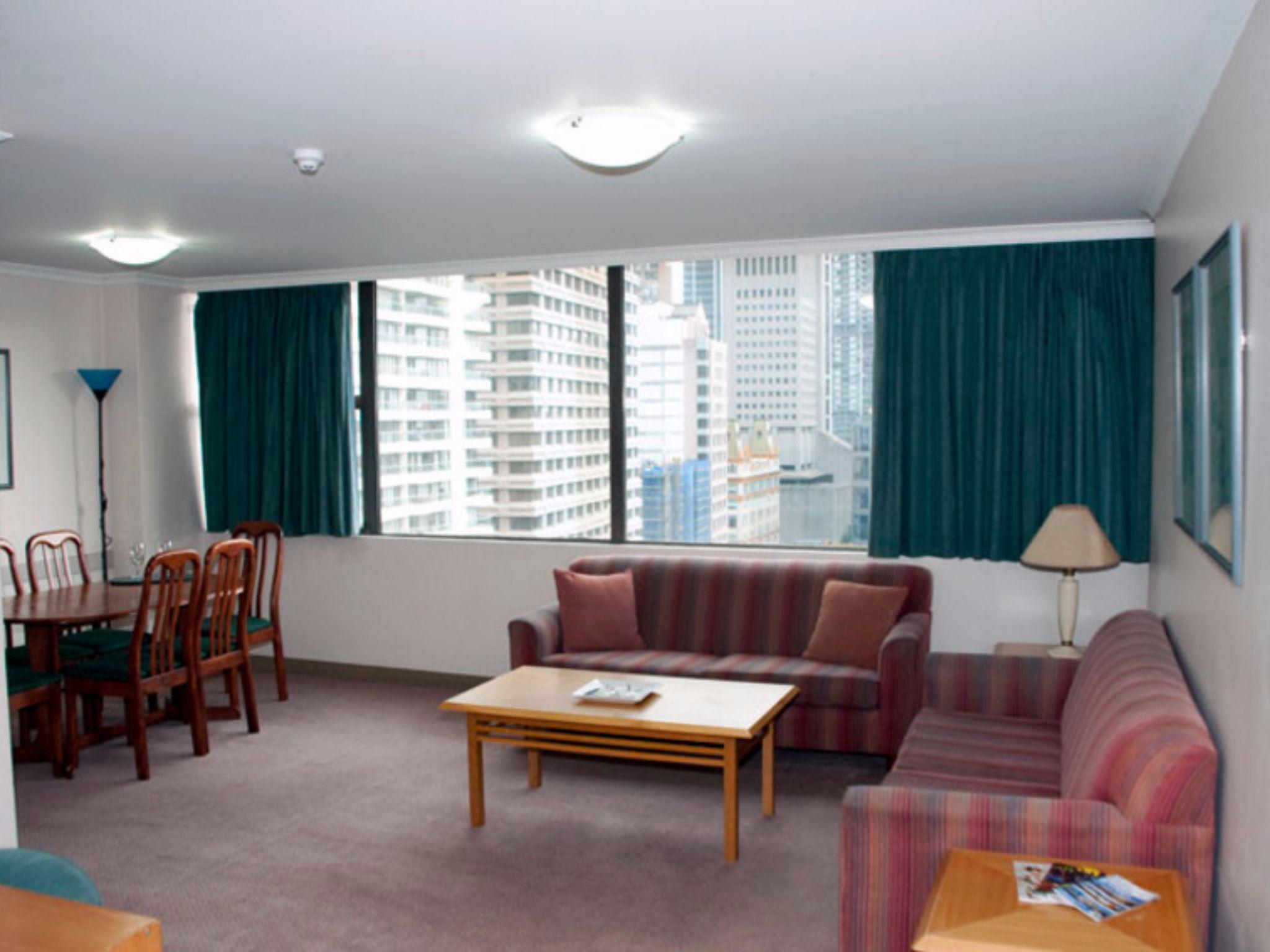 Sydney CBD   Park View 2 Bedroom Apartment