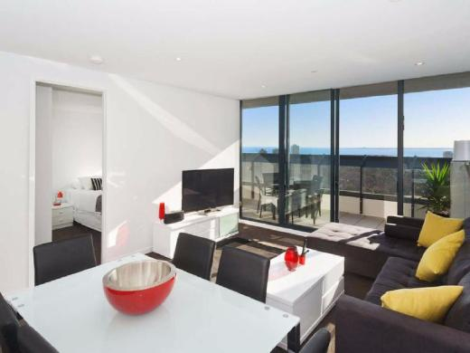 Espresso Apartments - Location and Bay Views
