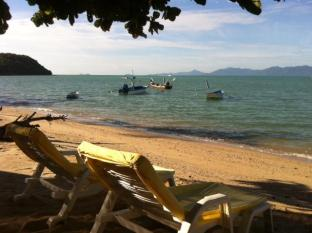 Ban Sabai Big Buddha Hotel Samui - Sun chairs for guests