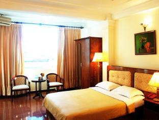 Hoang Hai Long 1 Hotel Ho Chi Minh City - Suite Bedroom