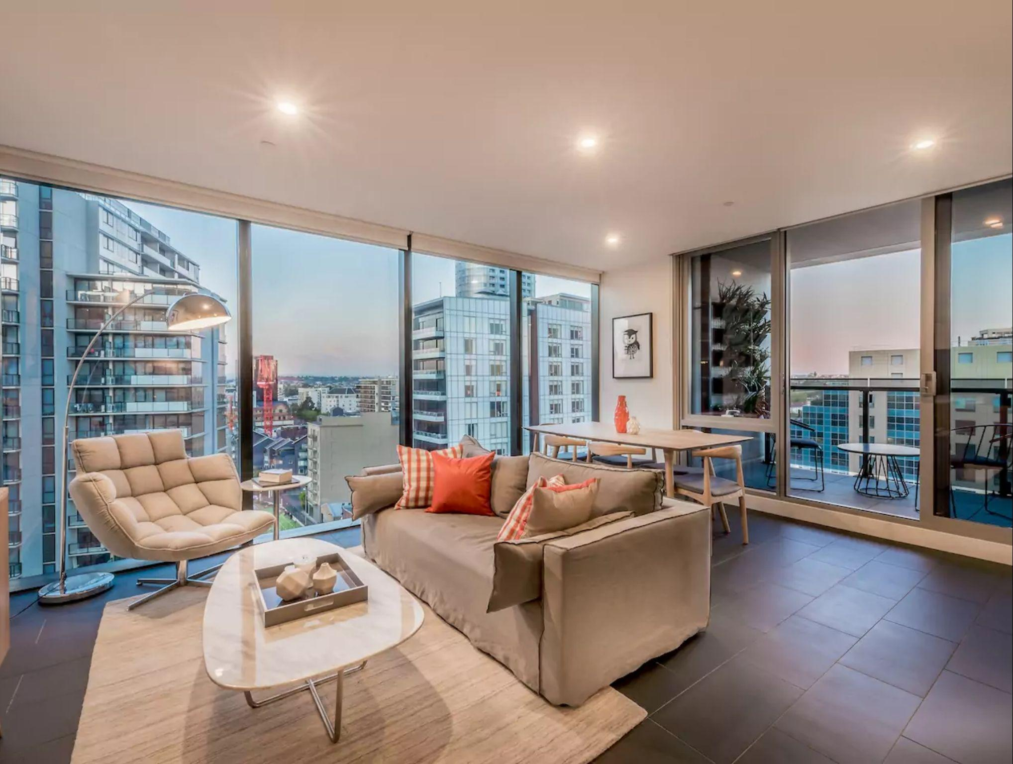 2 Bedroom Luxury Apartment   In Heart Of South Yarra