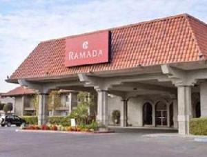 Ramada University Fresno Hotel