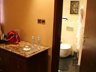 Trianon Hotel Abu Dhabi - Deluxe Room