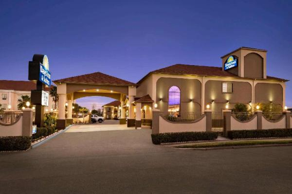 Days Inn & Suites by Wyndham Houston Hobby Airport Houston