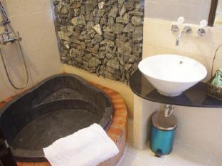 Halo Hotel Ho Chi Minh City - Bathroom
