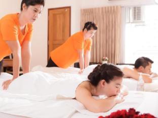 KC Place Hotel Bangkok - Enjoy in Room Massage