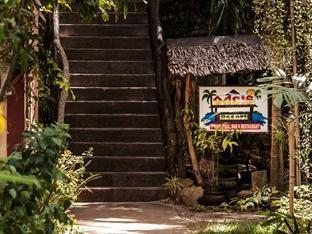 Oasis Beach & Dive Resort Panglao Island - Stairs down to beach front
