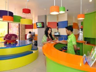 POP! Hotel Denpasar Teuku Umar Бали - Стойка регистрации