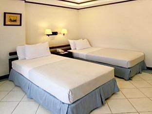Soledad Suites Tagbilaran City - Стая за гости