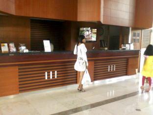 Orange Hotel Solo Monginsidi Solo (surakarta) - Resepsionis