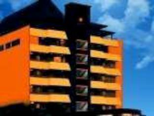 Orange Hotel Solo Monginsidi Solo (surakarta) - Tampilan Luar Hotel