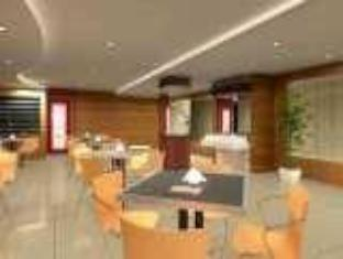 Orange Hotel Solo Monginsidi Solo (surakarta) - Kafe