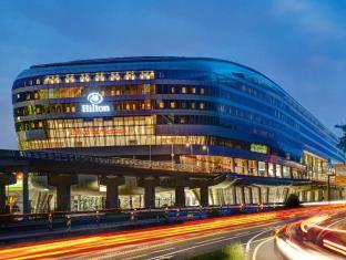 /uk-ua/hilton-frankfurt-airport/hotel/frankfurt-am-main-de.html?asq=yiT5H8wmqtSuv3kpqodbCVThnp5yKYbUSolEpOFahd%2bMZcEcW9GDlnnUSZ%2f9tcbj