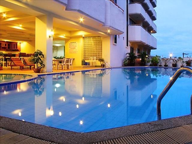 ไมค์ บีช รีสอร์ท พัทยา – Mike Beach Resort Pattaya