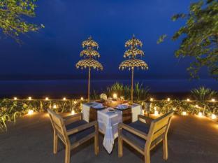 Kelapa Retreat and Spa Hotel Bali Bali - romantic dinner