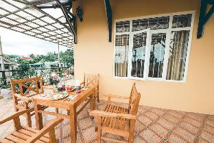 The Hillside Homestay -Triple Room with balcony