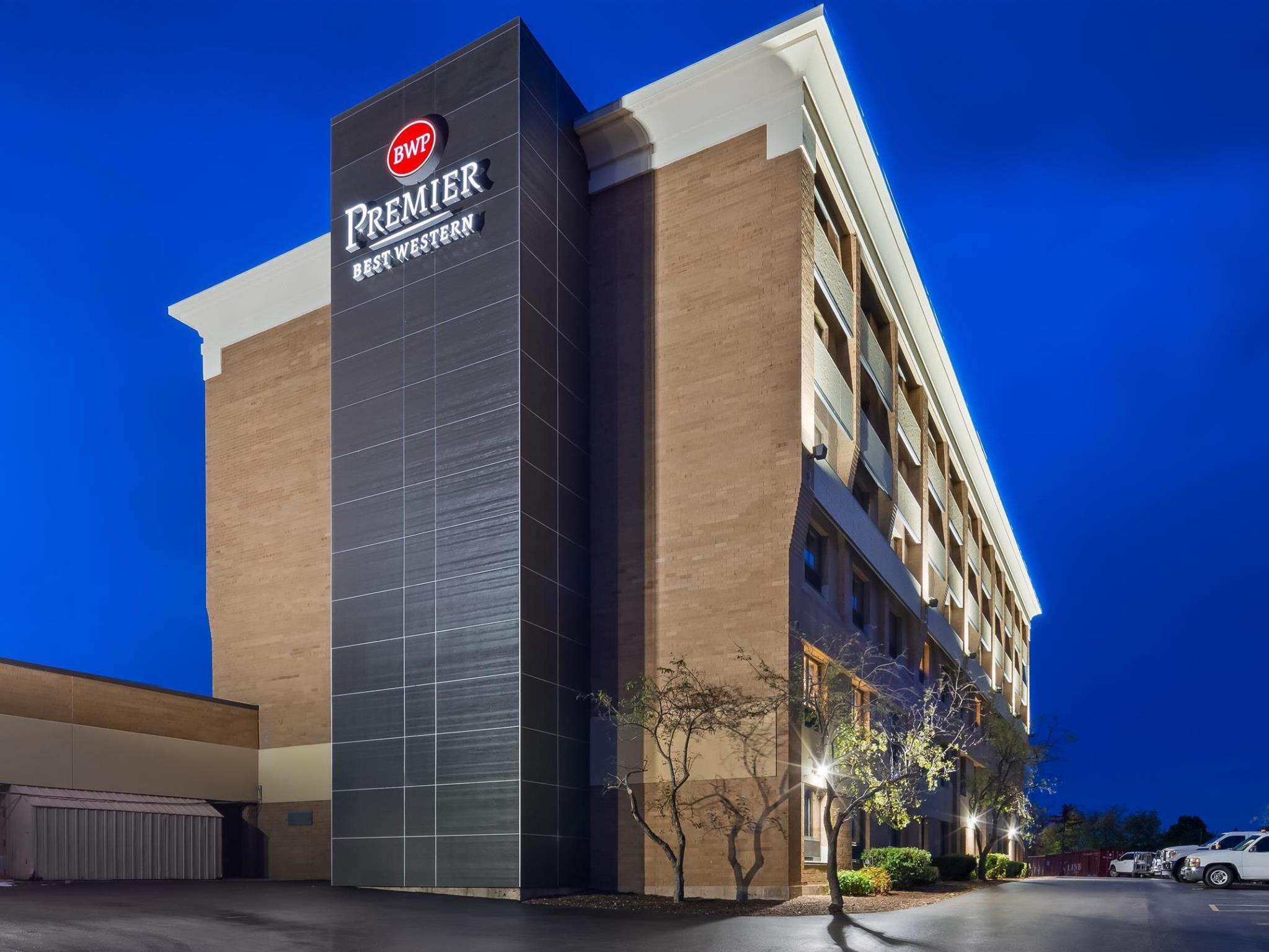 Best Western Premier Milwaukee Brookfield Hotel And Suites