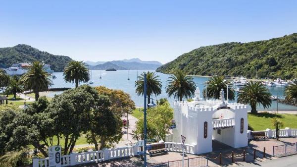 Luxury Seaview Waterfront Apartments Picton Picton
