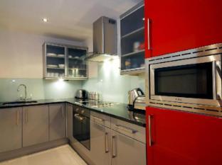 The Harrington Apartments London - Kitchen