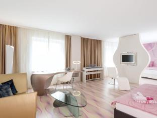 โรงแรม นโฮว เบอร์ลิน