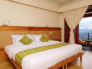 Lakeview Hotel and Restaurant Bali - Suite Double Bed