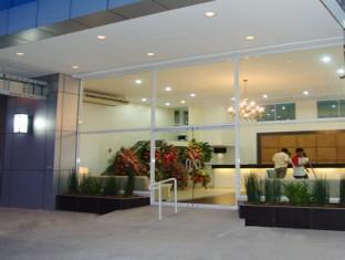 Hotel Pier Cuatro Cebu City - A szálloda kívülről