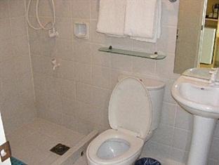 Hotel Pier Cuatro Cebu City - Bathroom