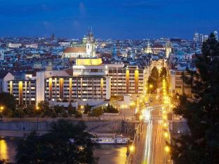 /cs-cz/intercontinentals-and-resorts-prague/hotel/prague-cz.html?asq=jGXBHFvRg5Z51Emf%2fbXG4w%3d%3d