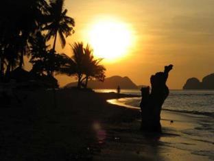 Las Cabanas Beach Resort El Nido - Sunset View