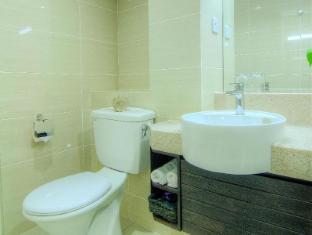 Wedgewood Residences Kuala Lumpur - 2 Bedroom Apartment Master Bathroom