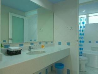 Wedgewood Residences Kuala Lumpur - 2 Bedroom Apartment 2nd Bathroom