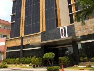 The B Hotel Manila - Exterior