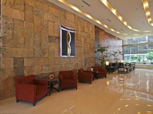The B Hotel Manila - Lobby