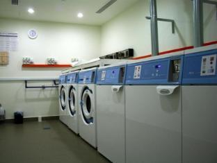 PARKROYAL Serviced Suites Kuala Lumpur Kuala Lumpur - Self-launderette room