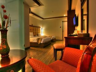 M Chereville Hotel Manila - Deluxe Room