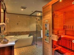 M Chereville Hotel Manila - Sauna