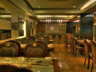 M Chereville Hotel Manila - M. Cafe