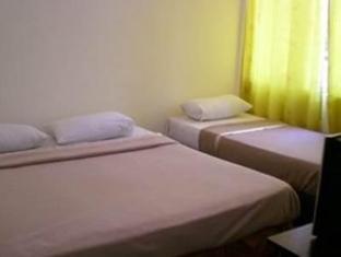 Cozzi Hotel Port Dickson - Standard Triple